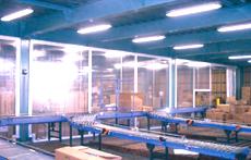 工場内の透明間仕切りシート 防炎